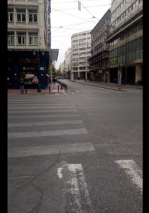 Αρχή της Αιόλου όλα τα καταστήματα κλειστά. Η εικόνα στην καρδιά της Αθήνας αγνώριστη