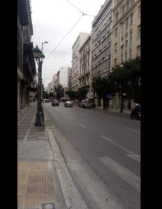 Στην οδό Αθηνάς Παρασκευή 3 Απριλίου λες κι είναι μέρα αργίας